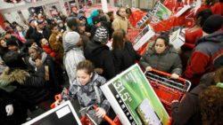 Когда самые большие скидки в магазинах?